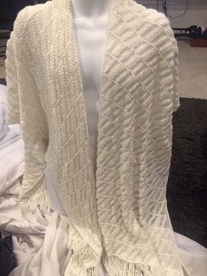 "Caren Sport (ladies Sz 1 Plus) shawl (IvoryRetail$45)""Great Condition"" for Sale in Cleveland Heights, OH"
