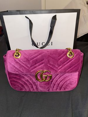 Marmont Velvet Fuchsia Small Gucci Purse for Sale in North Little Rock, AR