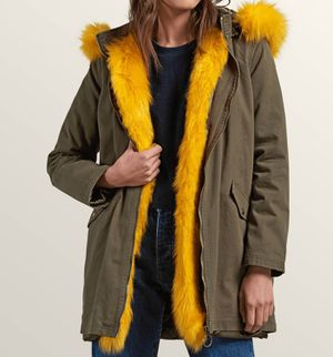 Volcom Green Camo parka Jacket with detached hood/lining/Fur for Sale in Cypress, TX