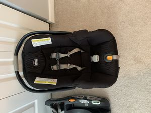 Chicco Key Fit Infant Carrier plus 2 bases for Sale in Hoffman Estates, IL