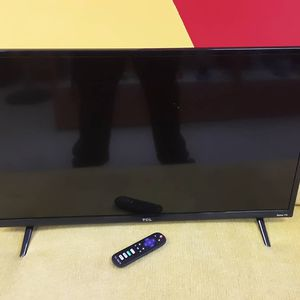 "TCL 32"" Full HD LED Smart Roku Tv for Sale in Fort Lauderdale, FL"