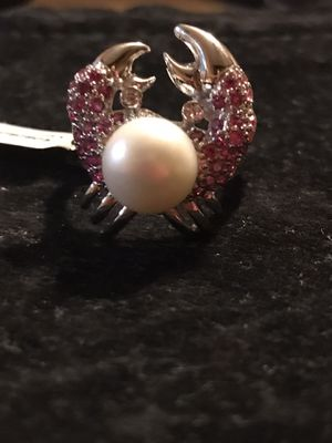 BRAND NEW LADIES CRAB DESIGN FAUX PEARL COCKTAIL RING SIZE 9 for Sale in Seaford, DE