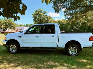 🍀$800 Original owner 2OO2 Ford F-150 clean title🍀 for Sale in Arlington, VA