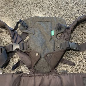 Baby Carrier for Sale in Wimauma, FL