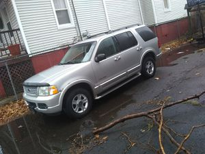 02 Ford explorer fully loaded 3d row seating for Sale in East Haven, CT