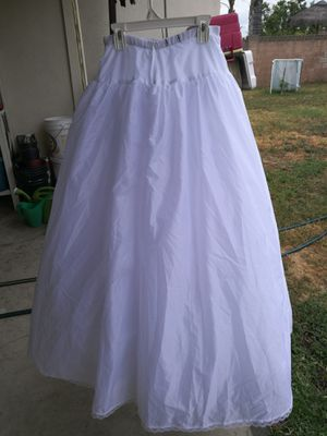 Very Full Bridal Ball Gown Slip Wedding petticoat pageant David Bridal sz 6 for Sale in Covina, CA