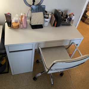Desk for Sale in Queens, NY