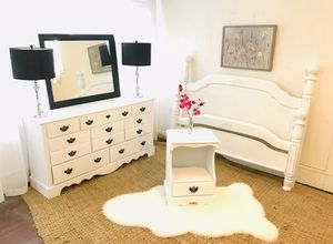 Queen bedroom set. Dresser with mirror, headboard footboard, and nightstand. Excellent condition rails included. for Sale in Nashville, TN