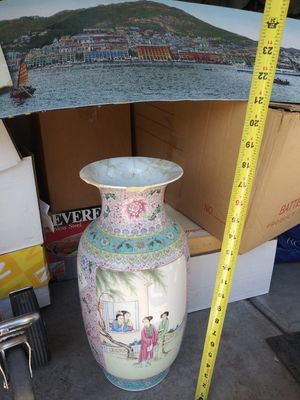 Tall Chinese Flower Vase for Sale in Rancho Cucamonga, CA