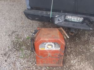 Lincoln 225 ac welder for Sale in Pleasant View, TN