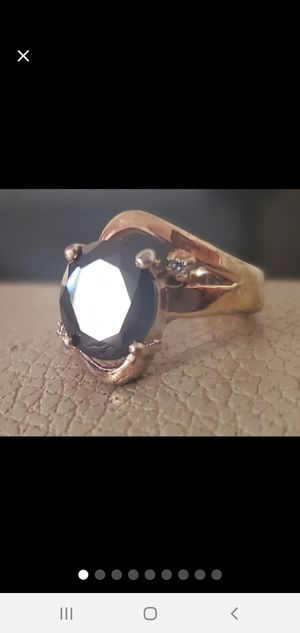 Gold and Onyx Sz 6 Ring for Sale in Vancouver, WA