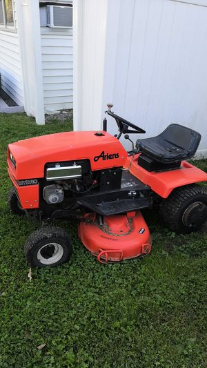 Ariens yt12 lawn tractor for Sale in Winchester, CT