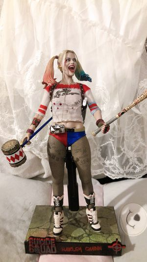 Hot Toys DC Suicide Squad Harley Quinn Masterpiece Action Figure MMS383 for Sale in Berkeley, CA