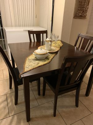 New 5 Piece Dining Set for Sale in Fresno, CA