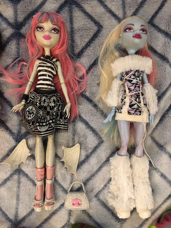 Mattel monster High doll lot of 2 abbey Rochelle