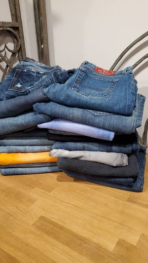 Women's Bundle Lot Jeans Size 28 (20 pieces) for Sale in Irwindale, CA