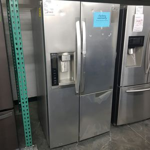 SAMSUNG side by side two door refrigerator for Sale in Ontario, CA