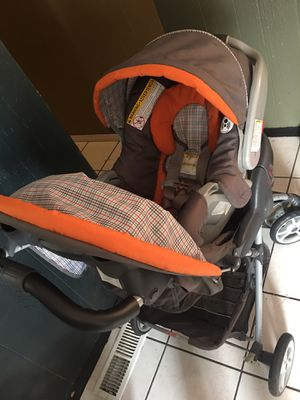 Car seat/stroller/sit me up floor seat for Sale in Albuquerque, NM