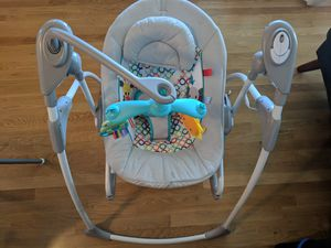 """Bright starts musical baby swing - """"rock and swing"""" pick up in magnolia for Sale in Seattle, WA"""