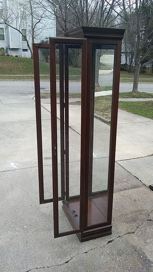 Good condition antique cabinet for Sale in Gambrills, MD