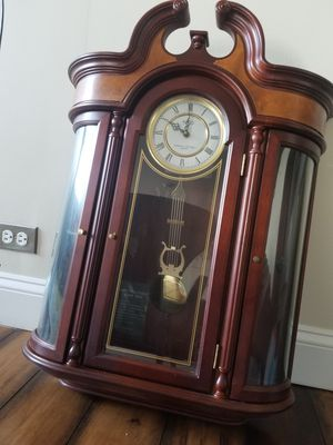 Wall clock for Sale in Lombard, IL