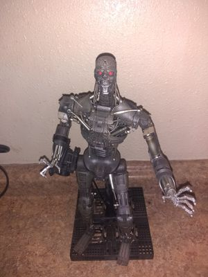 Hot Toys 1/6 Scale Terminator Salvation T-600 for Sale in Tampa, FL