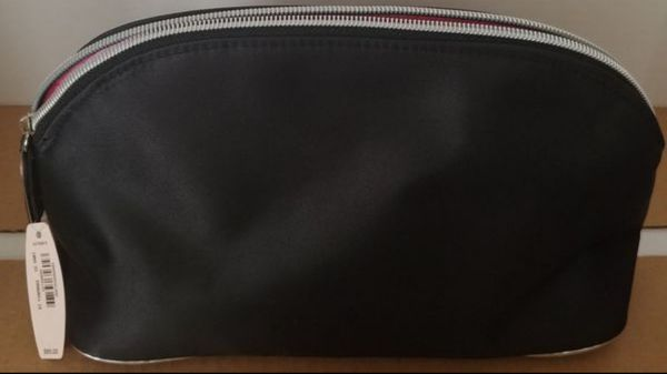 VICTORIA'S SECRET MAKE-UP BAG WITH 3 PC. SET (NEW WITH TAG) ***SEE OTHER POSTS***