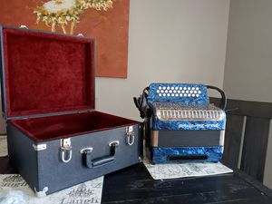 Weltmeister accordion for Sale in ELEVEN MILE, AZ
