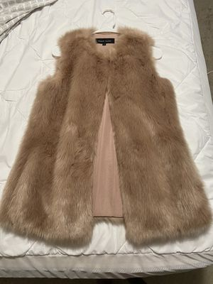 Fur vest size medium $40 for Sale in Columbia, MD