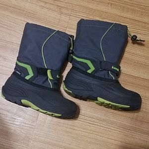 Kamik snow boots for kids size 12 for Sale in Arlington Heights, IL