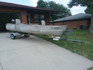 14 ft fishing boat with a mercury 9.9 hp motor for Sale in Powell, OH