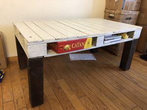TV Stand - Free! for Sale in San Diego, CA