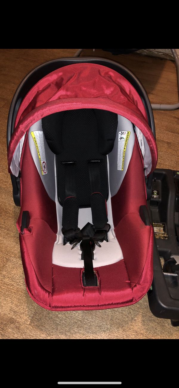 GB lyfe car seat