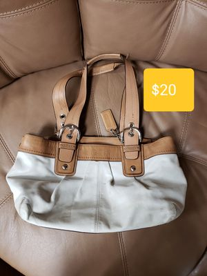 Coach bag for Sale in Pompano Beach, FL