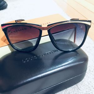 LV sunglasses for Sale in Greenbelt, MD