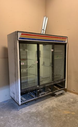 Refrigerator works perfectly for Sale in Falls Church, VA