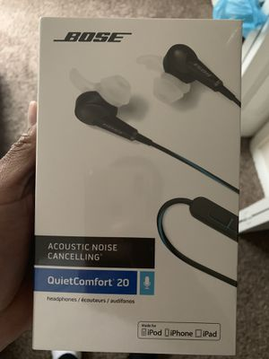 BOSE HEADPHONES FOR SALE QUIETCOMFORT 20 for Sale in Virginia Beach, VA