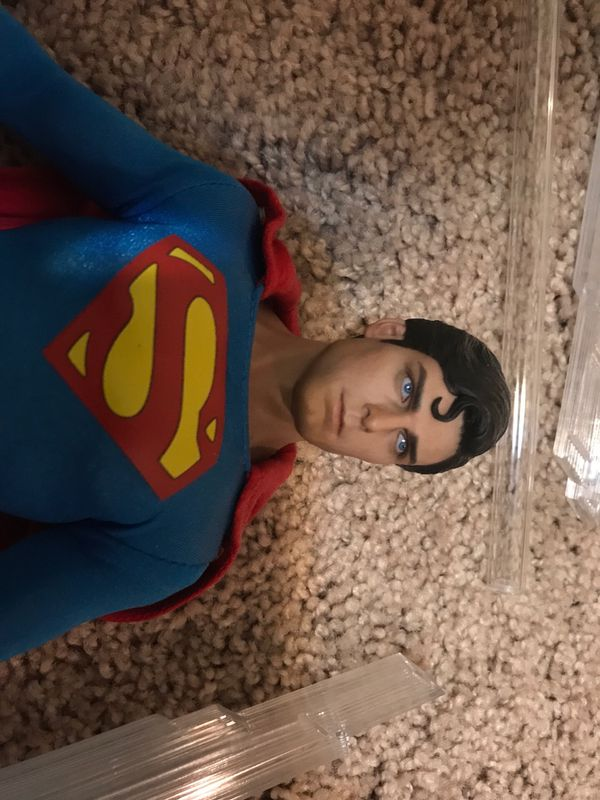 Hot toys Superman Christopher Reeve 1:6 scale figure