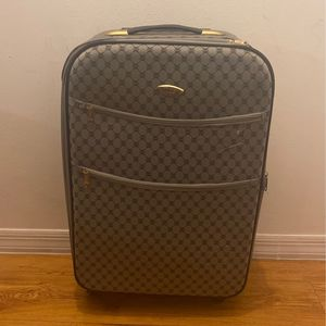 Silver Suitcase for Sale in Miami, FL