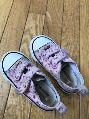 Toddler girl hello kitty converse size 8 for Sale in Puyallup, WA