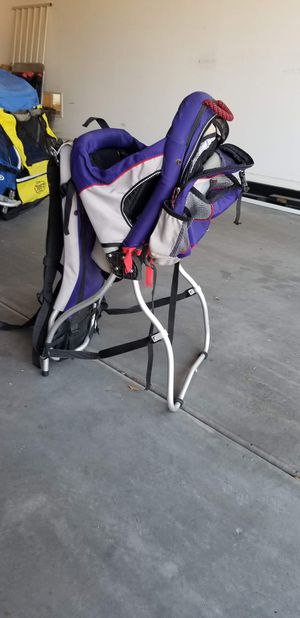 Aluminum frame hiking carrier backpack for babies and toddlers for Sale in Laveen Village, AZ