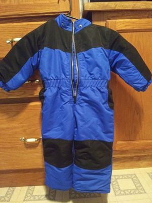18 month snowsuit for Sale in Moscow, IA