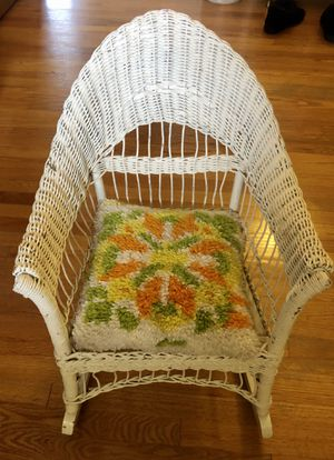 Antique wicker child's rocking chair with handmade hook rug seat cushion for Sale in Littleton, CO