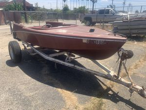 Boat and trailer for Sale in Selma, CA