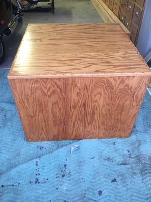 Beautiful hand crafted oak end table coffee table storage cube for Sale in Phoenix, AZ