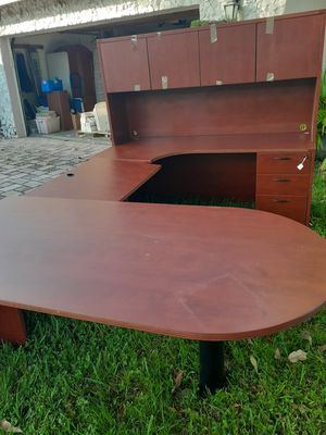 Executive desk for Sale in Tamarac, FL