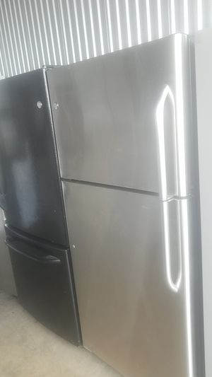 Refrigerator ge width 30 inches for Sale in Fort Washington, MD