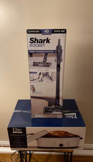 Shark rocket cordless stick vacuum and 18 QT roaster oven for Sale in La Mirada, CA