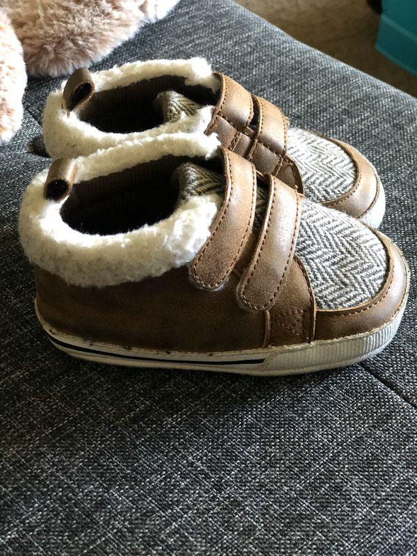 Baby toddler shoes size 4 or size 12 months crib shoes