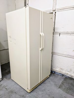Refrigerator in Good Working Condition - Delivery Available for Sale in Bluffdale, UT